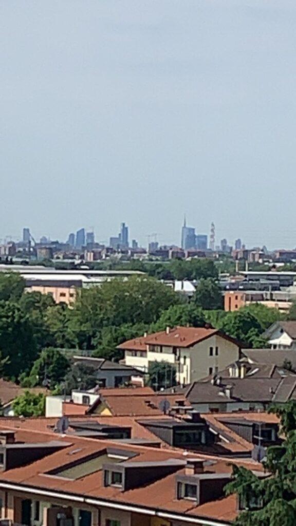 Appartamento con vista panoramica sullo skyline di Milano